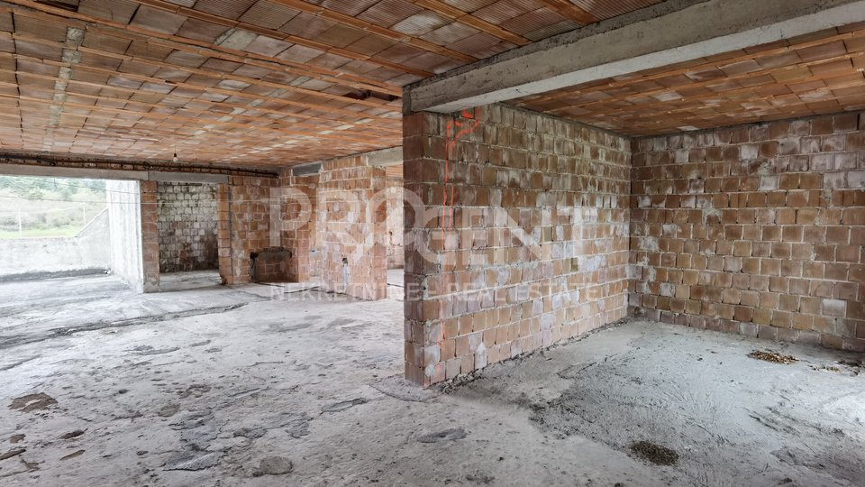 Geschäftsraum, 325 m2, Verkauf, Buzet - Ročko Polje