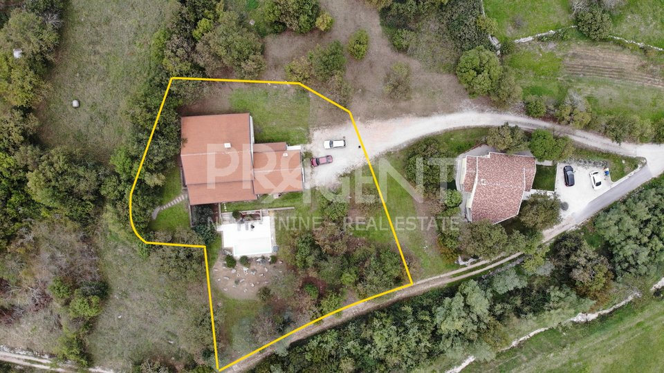 Buzet, Haus mit Pool und großem Garten