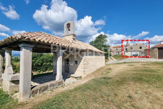 Istra, Draguć, kamena kuća za rekonstrukciju