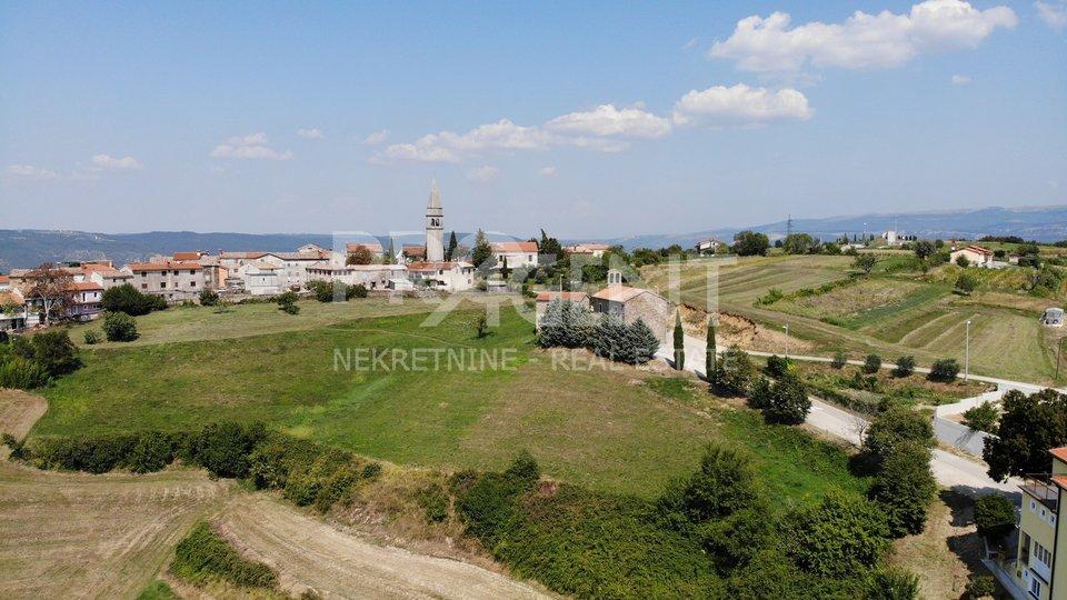 Istria, Buzet, Vrh, building land in an attractive location