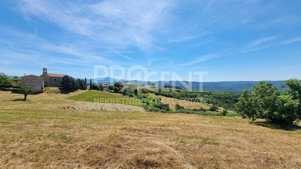 Istra, Buzet, Vrh, građevinsko zemljište na atraktivnoj lokaciji