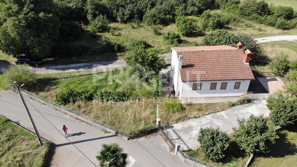 Istra-Vranja, samostojeća kuća s okućnicom