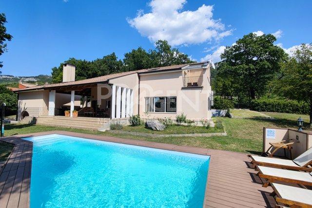 House, 285 m2, For Sale, Buzet