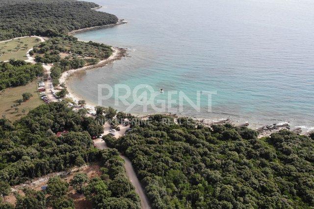 Istrien, Rovinj, neues Haus auf einem Grundstück 12619 m2 250 m vom Meer